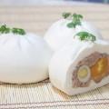 Bánh bao nhân thịt và trứng cút