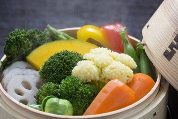 """Giải đáp thắc mắc: """"Hấp rau củ quả bằng tủ cơm được không?"""""""