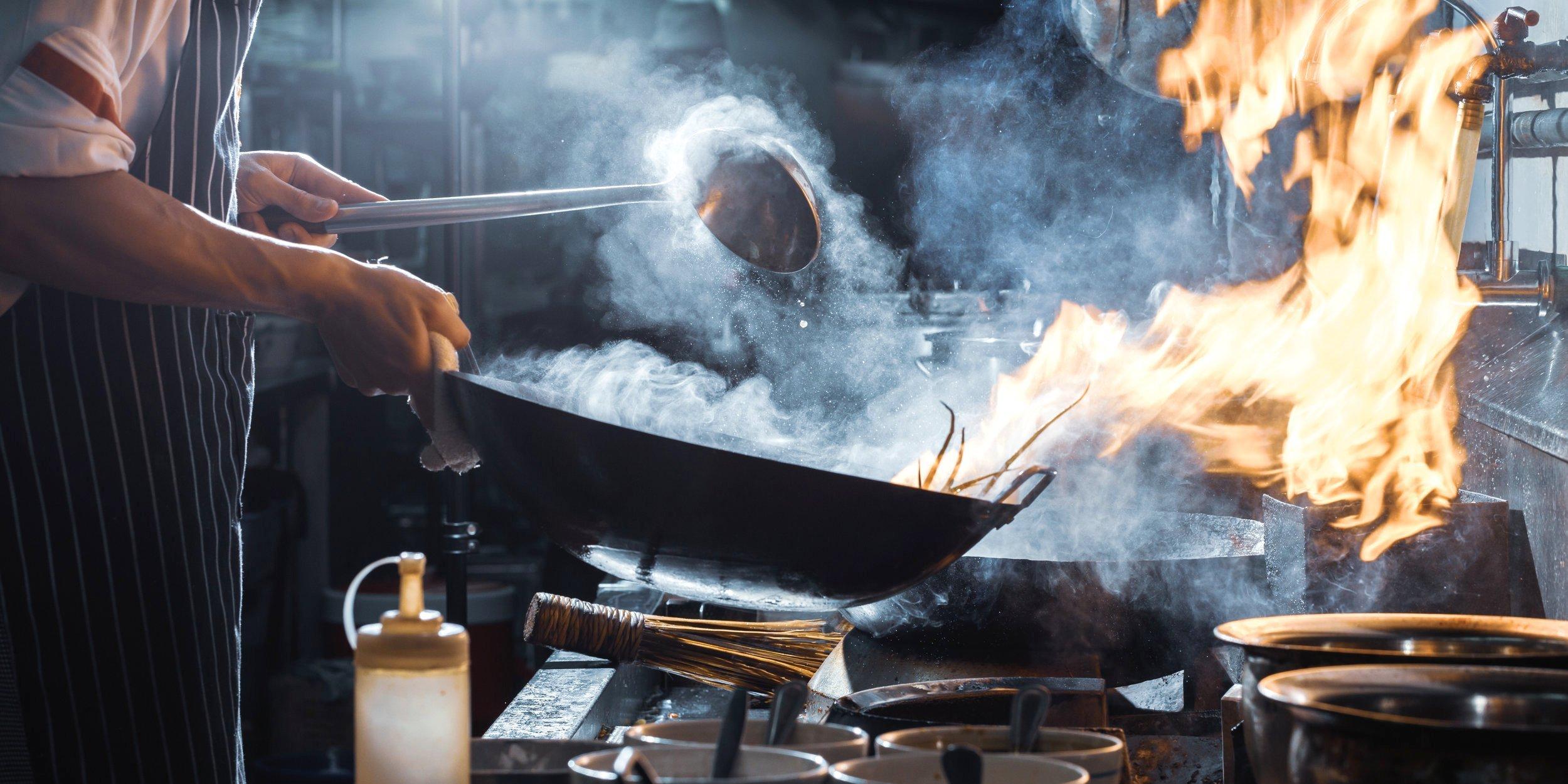 Khói, khí độc sinh ra trong quá trình nấu