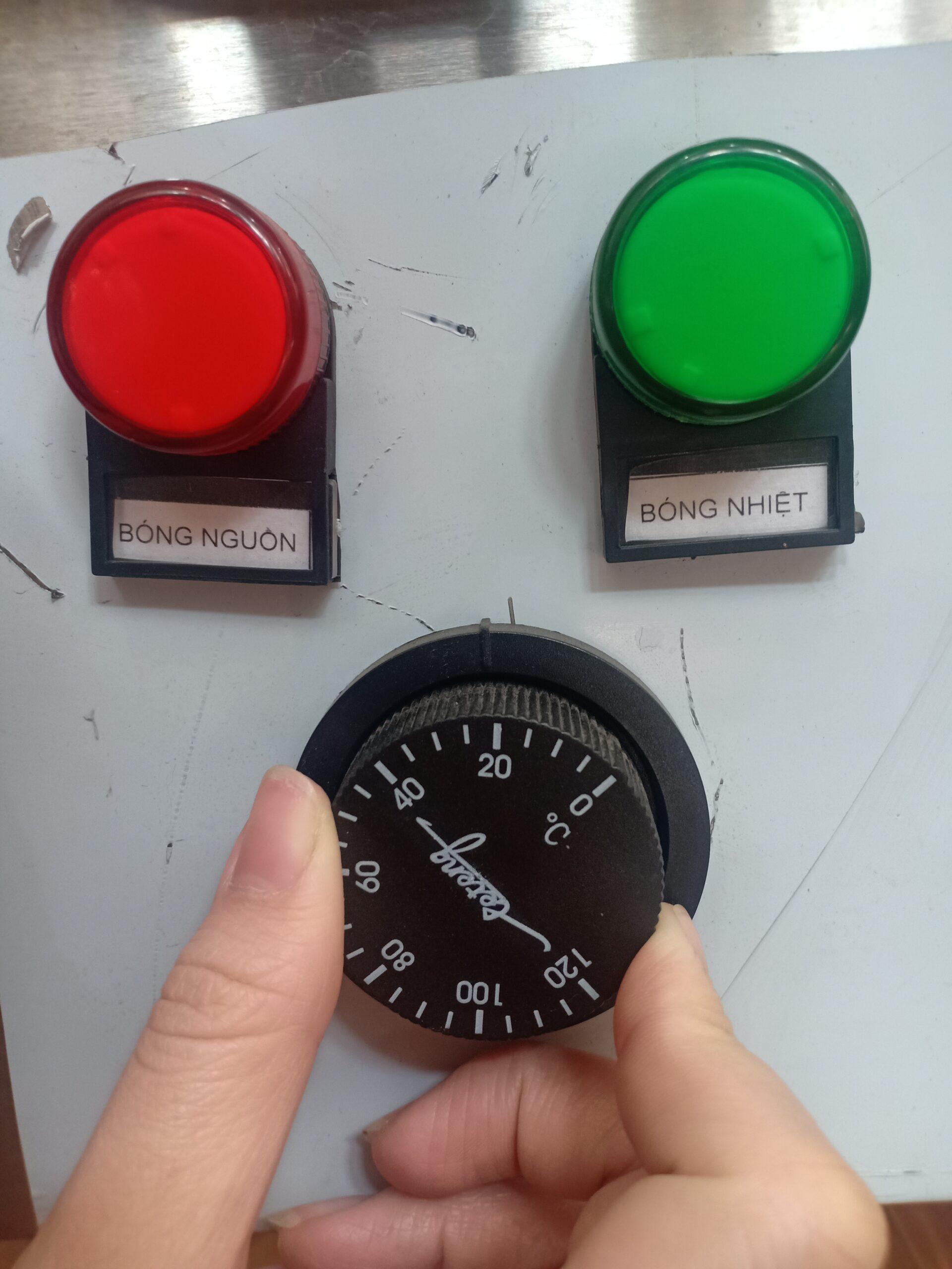 Tự chỉnh và kiểm soát nhiệt độ